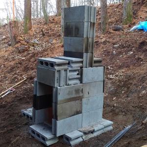 テスト版ロケットストーブ型焼却炉(コンクリートブロック使用)