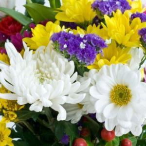 お葬式にはどんな花を贈る?知って安心!花の名前と役割とは?