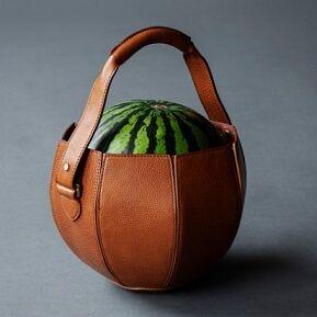 土屋鞄「スイカバッグ」