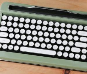 ワイヤレスキーボード「PENNA(ペナ)」