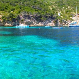 クロアチアにもある!青の洞窟の美しさ