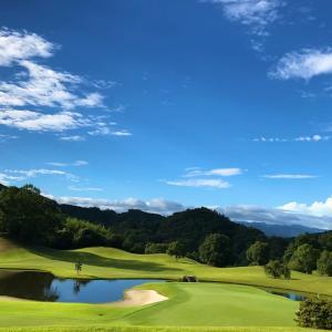 秋津原ゴルフクラブの練習場を紹介しています