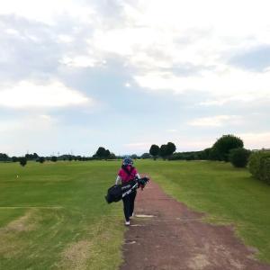 高槻ゴルフクラブの練習場とコースの案内