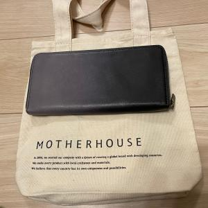 Mother House の財布を購入した