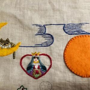 かわいい刺繍・45・月とチェシャ猫①