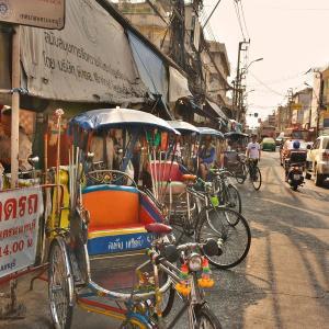 「ノンタンブリー(Nonthaburi)」~バンコク首都圏、チャオプラヤ川埠頭周辺の街中、ディープな市場とかぶらぶら!!