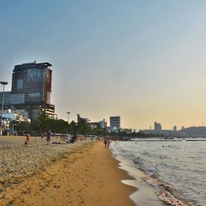 「パタヤ」~ここに来ると必ず最低1週間は滞在してしまう理由、まずは「パタヤビーチ」の様子から!!