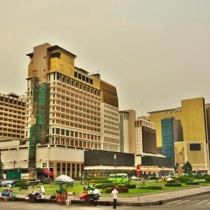 「ナガワールド(Nagaworld)ホテル&エンターテイメント コンプレックス」~プノンペンのこの一角は、まるでラスベガス、マカオ⁈