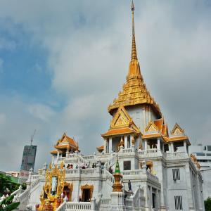 「ワット トライミット(黄金仏寺院)Wat Traimit」~バンコク チャイナタウンの入口、お城のような寺院!!