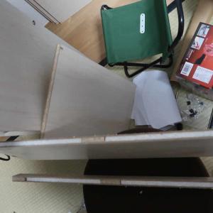 通販トラブル本棚購入材料のボード切ったら中身ほとんど発泡スチロールだった楽天市場口コミ
