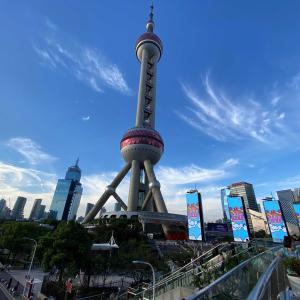 上海中心ビルの上階へ