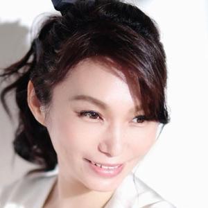 真智美貴さんは24歳18歳10歳1歳の4人のお子さんのお母さんで訪問看護師|今日の美人さん