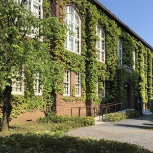 煉瓦造りの立教大学の建物