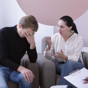 うつ病夫の行動に「認知症」を疑うとき
