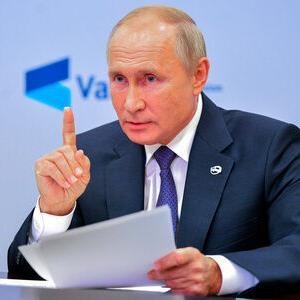 【炎上】プーチン大統領 1400億円の豪邸を建てた事が国民にバレる(`Δ´)(`Δ´)(`Δ´)