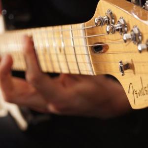 【衝撃】今ギターが人気「おうち時間」効果か(゜o゜)(゜o゜)(゜o゜)