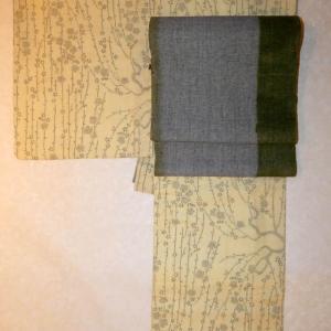 今日は大寒。あったかい本場結城紬に山崎さんの草木染八寸帯。 明日は13時半開店です。