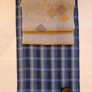 藍格子の綿麻に諸紙布の帯、下駄もセットで全品半額~