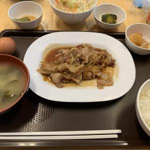 【クラタイ食堂】小鉢でおかずが食べ放題!クラタイ食堂で豚生姜焼きをいただく!メニュー詳細あり@プロンポン