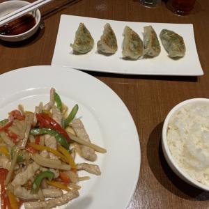 【東京中華飯店】野菜がたっぷり入った焼き餃子を『東京中華飯店』でいただく!メニュ詳細あり@トンロー