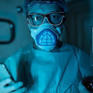 ~ブルーマン現る~ 部屋まで迎えに来るベトナムの強制的PCR検査!!!