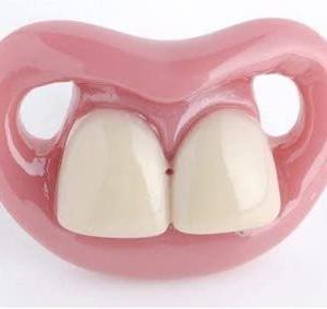 前歯が折れましたコンポジットレジン(CR)