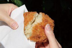 台風の日に「コロッケを食べる」のはなぜ?由来は?