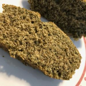 緑茶パウダー入りケーキ