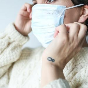 マスクの裏表の見分け方【着け方を間違うと性能が低下する】