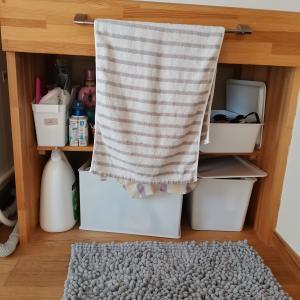 棚や、洗面台の下の目隠し