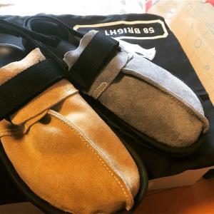 スニーカーっぽくも革靴っぽくもあるサンダル。リーボックの名作BEARNIK(ビートニック)