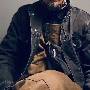 メンズでもサコッシュ感覚で使えるLeSportsac(レスポートサック)のスモールショルダーバッグ