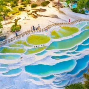 仙人が耕した畑と言われる中国雲南省の「白水台」