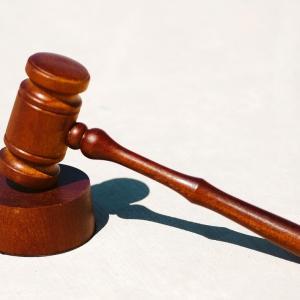 仲介手数料以外の費用を請求す行為は、違法です。