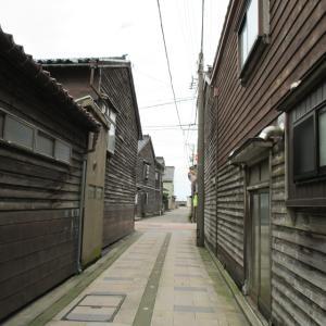 【富山県】河口部のデルタ地帯に残る古い港町の街並み「庄西」(射水市庄西町)201407