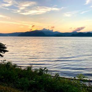 十和田湖 夕陽と朝日