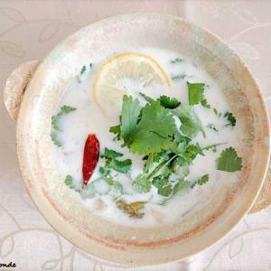 食欲そそるエスニックの香り♪タイのスープ トムカーガイ    ~自家製ブイヨンを使って~