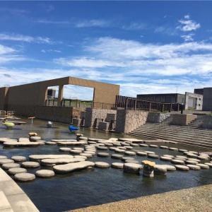大きい水鉄砲で的あて! 大きい遊具、水遊びもできる♪ 山口県下関市 乃木浜総合公園