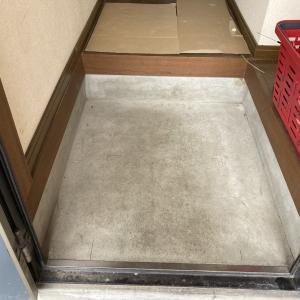 【不動産投資DIY】費用対効果薄い・・・玄関フロアタイル貼り