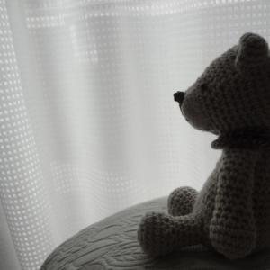 亡くなった夫の服でクマのぬいぐるみとクッションカバーを作ってみた