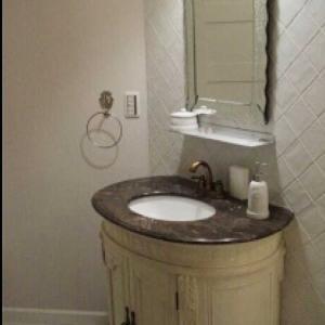 【ときめくDIY】洗面台をセリアのつまみと塗装でリメイク!