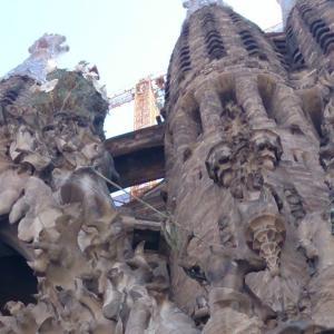 スペインのサグラダ・ファミリア完成予定が延期に。