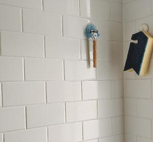 バスマットやタオルの定位置と掃除がラクになる浴室の工夫 | ROOMHOLIC|神奈川の整理収納アドバイザー藤井ともみ