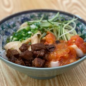 トアパヨの有名ビャンビャン麺とプレグラと