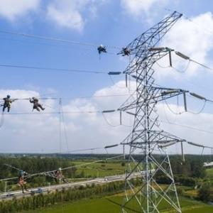 電力不足の深刻化、ピークシフトで対策