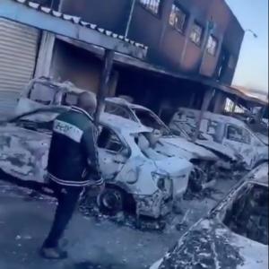 南アフリカで激しい暴動が発生、中国人街が襲撃される