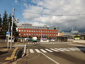 秋田大学医学部附属病院駐車場の料金、営業時間、混雑具合など