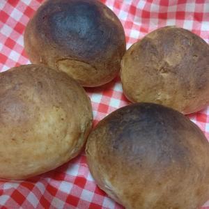 江頭さんとちょっと焦げたパン作りで気持ちが上がりました。