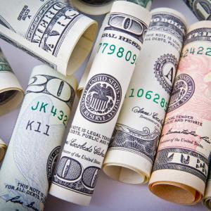 アメリカ在住者必見!スマホ一台アプリで始められる少額投資&資産運用