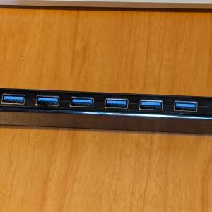 7口USB3.0ハブ(セルフパワー, 急速充電ポート付き):サンワサプライUSB-3H703BK:レビュー